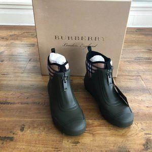 *BNIB*Burberry Vintage Check Rain Boots